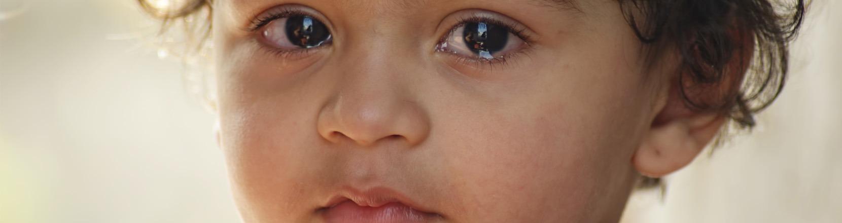 Come non gestire i capricci: Bambino molto triste con le lacrime agli occhi