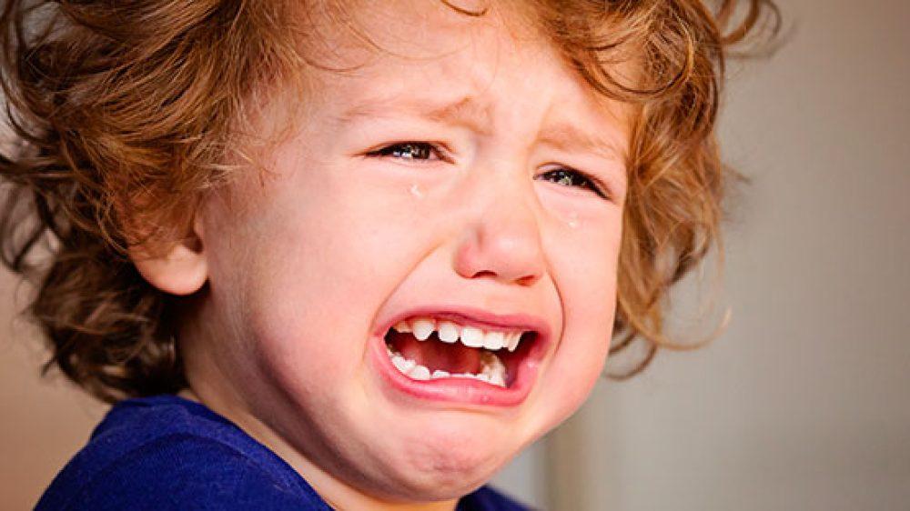 Smettila di piangere! Come calmare le crisi di pianto dei bambini e dei neonati