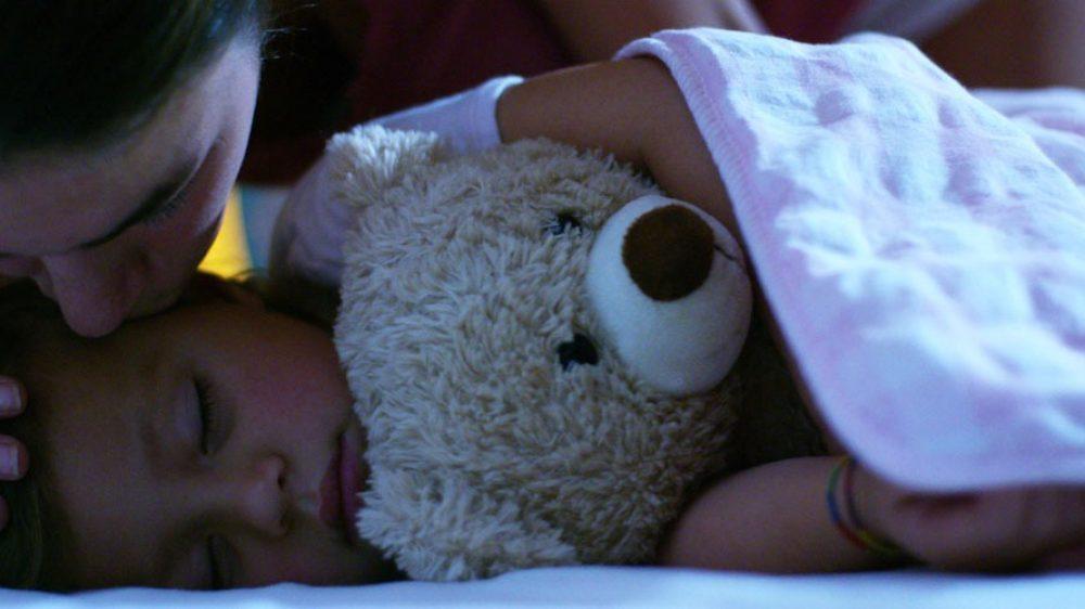 Spannolinamento notturno: 10 passi per togliere il pannolino di notte