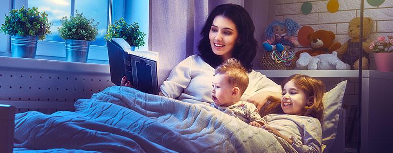 Co-sleeping: Mamma nel lettino con i suoi bimbi